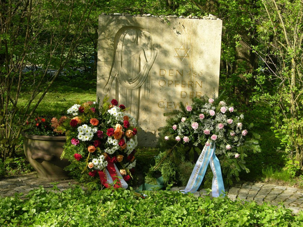 KZ-Friedhof Mühldorf 2010