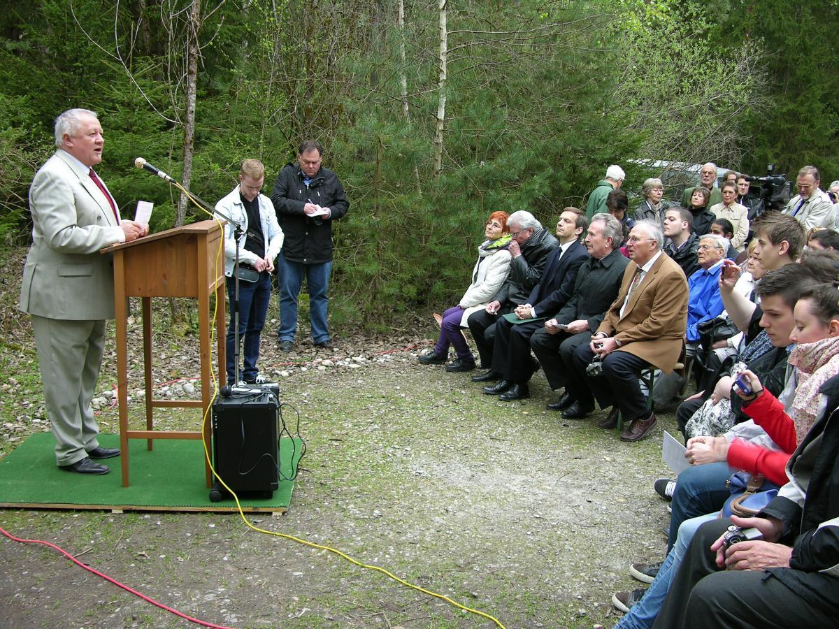 Franz Langstein begrüßt die Teilnehmer