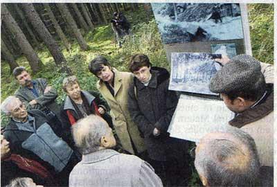 Führung von Dr. Bosch mit ungarischen Zeitzeugen und deren Nachkommen